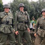 Volksgrenadiere in uniform