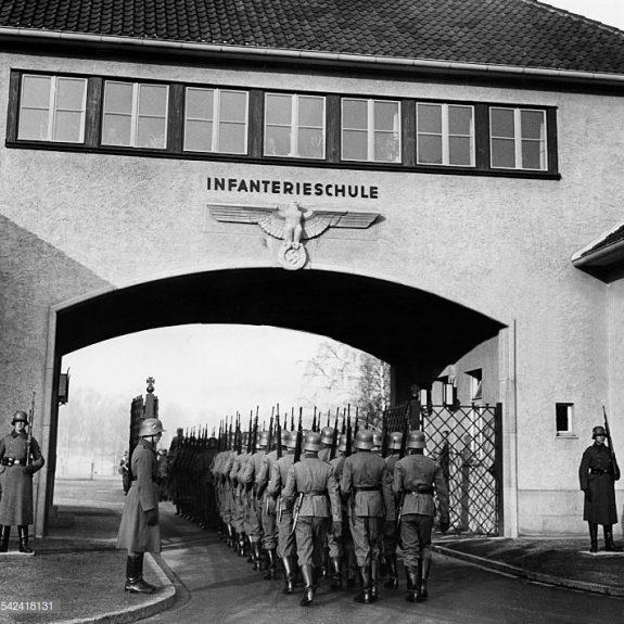 Kampfschule Die Volksgrenadiere